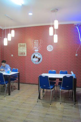 Foto 6 - Interior di Crescita Beef Noodles oleh Kuliner Addict Bandung