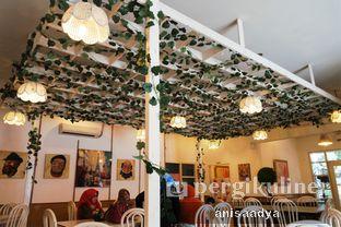Foto 14 - Interior di Huk Garden Family Resto oleh Anisa Adya