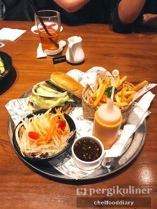 Foto 3 - Makanan(Grilled Beef Ham & Cheese) di Greyhound Cafe oleh Rachel Intan Tobing