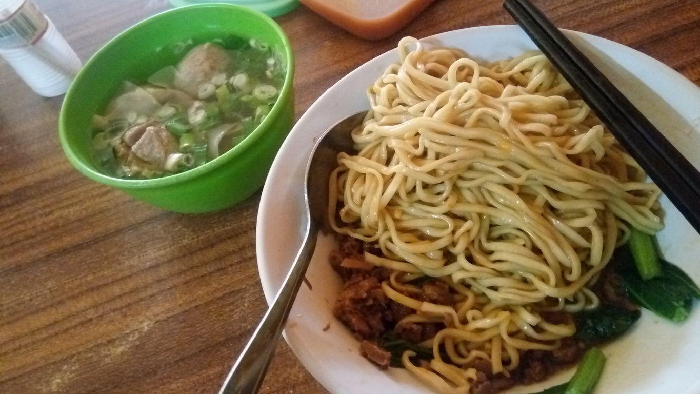 Mie Ayam Idola, Bekasi Selatan, Bekasi - Lengkap: Menu ...