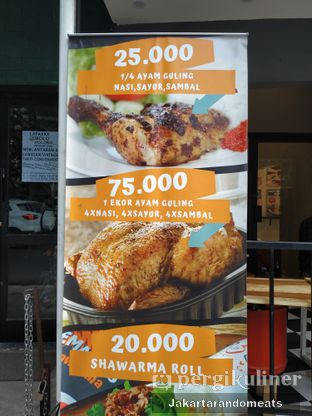 Foto 6 - Interior di Emado's Shawarma oleh Jakartarandomeats