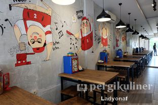 Foto 10 - Interior di Warung Laper oleh Ladyonaf @placetogoandeat