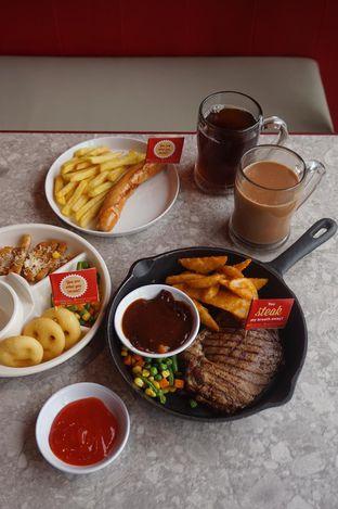 Foto 11 - Makanan di Steak Hotel by Holycow! oleh yudistira ishak abrar