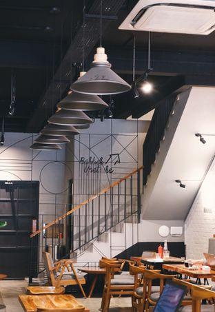 Foto 7 - Interior di Chief Coffee oleh Indra Mulia