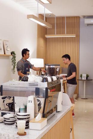 Foto 8 - Interior di Aiko Coffee oleh yudistira ishak abrar