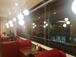 Foto 5 - Interior di Pizza Hut oleh ig: @andriselly