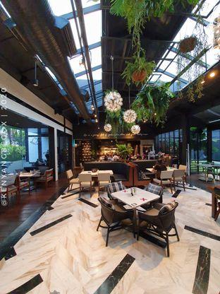 Foto 1 - Interior di Greyhound Cafe oleh Vionna & Tommy