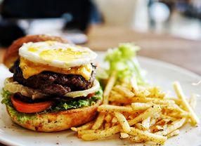 8 Cafe di Surabaya yang Paling Asik untuk Nongkrong