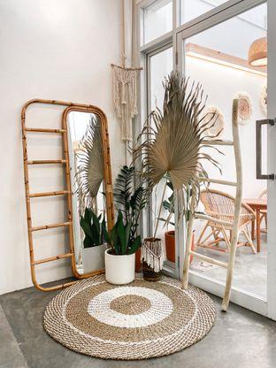Foto 6 - Interior di Lanell Coffee oleh houseofoodies