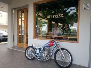 Foto 1 - Interior di Daily Press Coffee oleh yudistira ishak abrar
