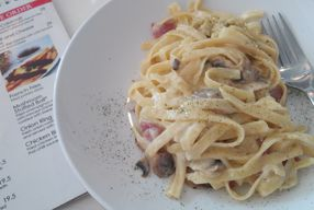 Foto Gins. Co Cafe
