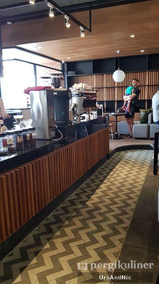 Foto 6 - Interior di Anomali Coffee oleh UrsAndNic