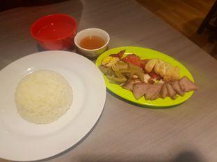 Foto 3 - Makanan(Nasi hainam campur) di Pork 33 oleh Fika Sutanto