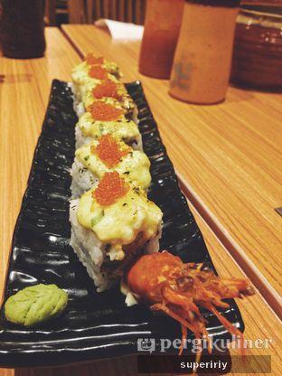 Foto 2 - Makanan(ebi tarutaru roll sushi) di Kimukatsu oleh @supeririy