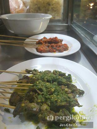 Foto 2 - Makanan(Sate ati ampla) di Bubur Ayam Parkiran oleh JC Wen