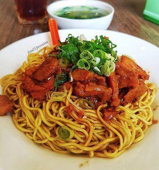 Foto - Makanan di Bakmie Aloi oleh Eatandcrunch