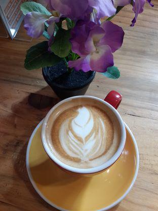 Foto 1 - Makanan(Cappuccino) di Rosso' Micro Roastery oleh @stelmaris