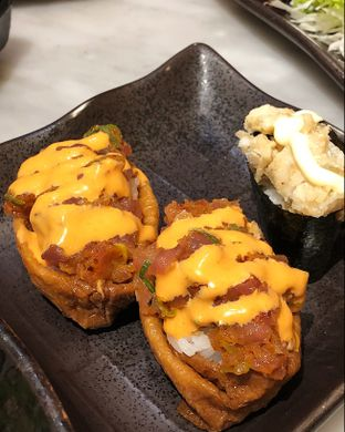Foto 6 - Makanan(Spicy salmon inari) di Kintaro Sushi oleh Claudia @claudisfoodjournal