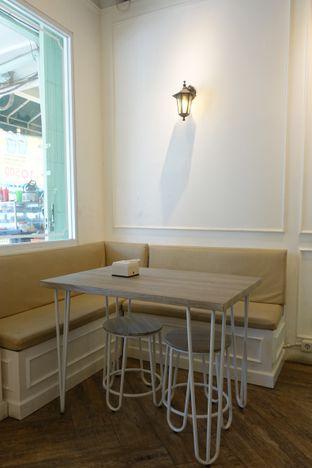 Foto 10 - Interior di Dandy Co Bakery & Cafe oleh inggie @makandll
