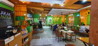 Foto 6 - Interior di Hayam Bakakak Gosrek oleh Makan2 TV Food & Travel