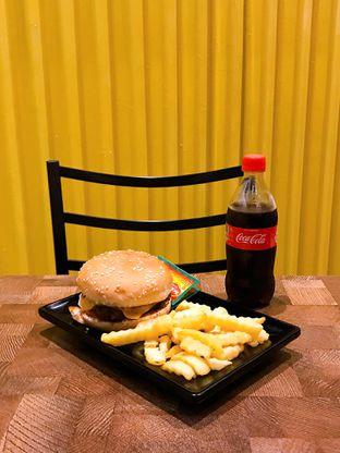 Foto 16 - Makanan di FIX Burger oleh yudistira ishak abrar