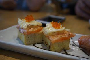 Foto 1 - Makanan(Aburi Tamago Salmon Cheese) di Sushi Hiro oleh Elvira Sutanto