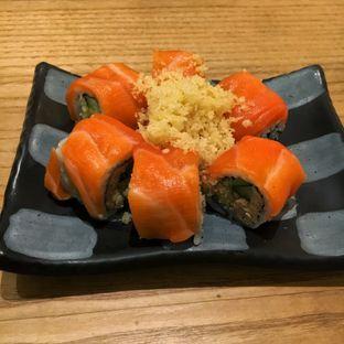 Foto 1 - Makanan(Salmon Hana Tobiko) di Sushi Tei oleh Fadhlur Rohman