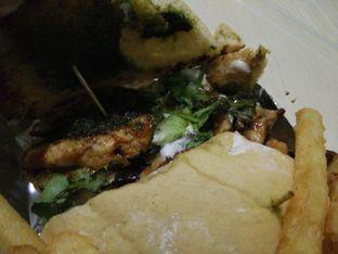 Foto 2 - Makanan(Grilled Chicken Panini) di P&B Coffeeshop oleh thomas muliawan
