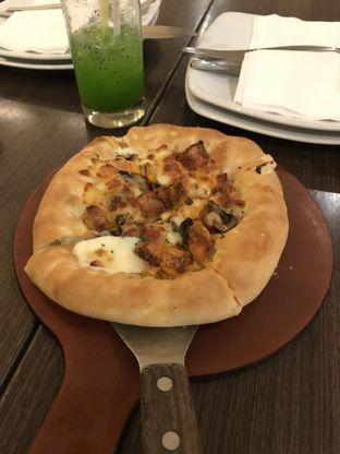 Foto 1 - Makanan di Pizza Hut oleh Kami  Suka Makan