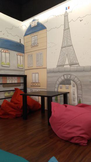Foto 2 - Interior di Bruins Coffee oleh Eka Febriyani @yummyculinaryid