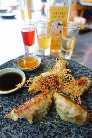 Foto 5 - Makanan di Yabai Izakaya oleh iminggie