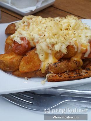 Foto 1 - Makanan di Royale Bakery Cafe oleh Wiwis Rahardja