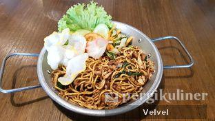 Foto 4 - Makanan(Mie Goreng Tek-Tek) di The People's Cafe oleh Velvel