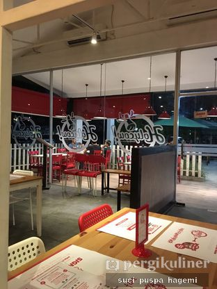 Foto 3 - Interior di Holycow! STEAKHOUSE by Chef Afit oleh Suci Puspa Hagemi