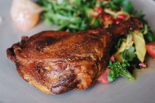Foto 9 - Makanan(Duck Galangal) di 1945 Restaurant - Fairmont Jakarta oleh Verdi Danutirto
