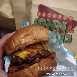 Foto - Makanan di Brother Jonn & Sons oleh a bogus foodie
