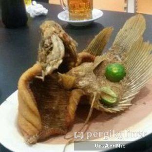 Foto 4 - Makanan(Ikan gurame goreng) di Pondok Pangandaran oleh UrsAndNic