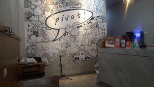 Foto 4 - Interior di Pivot Coffee oleh Kuliner Keliling
