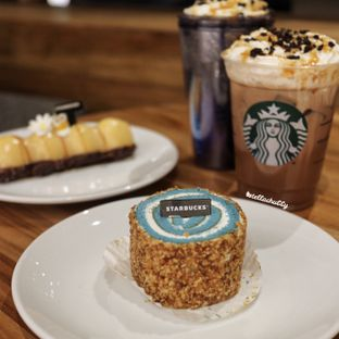 Foto review Starbucks Coffee oleh Stellachubby  2