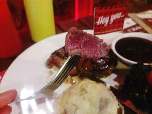 Foto 2 - Makanan di Steak Hotel by Holycow! oleh Dwi Izaldi