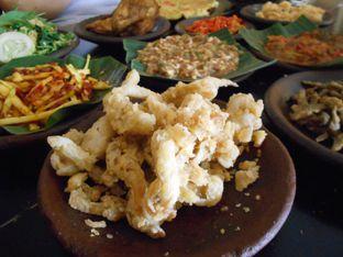 Foto 2 - Makanan di Waroeng SS oleh Olivia @foodsid
