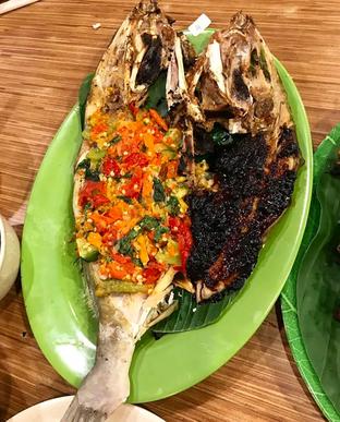 Foto 3 - Makanan di Pondok Ikan Bakar Ujung Pandang oleh Mitha Komala