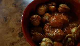 Foto 2 - Makanan(kerang dara (15k) ) di Ma'Kerang oleh chubby Bandung