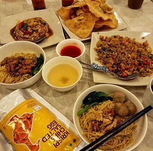 Foto 7 - Makanan di Bakmi GM oleh duocicip