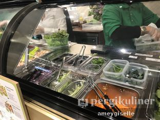 Foto 2 - Interior di Crunchaus Salads oleh Hungry Mommy