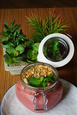Foto 3 - Makanan(Healthy Bowl) di The Larder at 55 oleh eatwerks