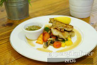 Foto 6 - Makanan di Westport Coffee House oleh @teddyzelig