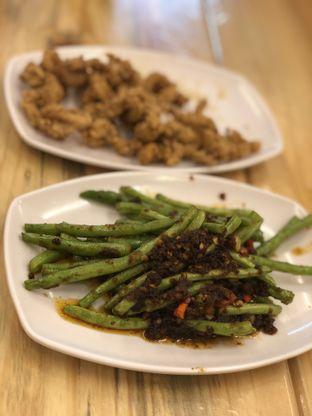 Foto 2 - Makanan(Baby Buncis Tumis Ebi) di Bola Seafood Acui oleh YSfoodspottings