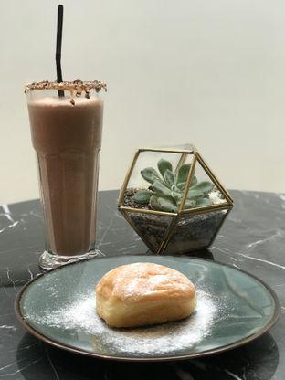 Foto 1 - Makanan(Chocolate Milk Shake) di Siku Dharmawangsa oleh Mandy Amanda