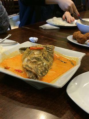 Foto 2 - Makanan(Gulai Kepala Ikan) di Pandan Bistro oleh Elvira Sutanto
